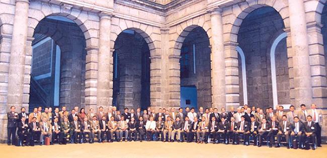 Asistentes a la tercera reunión extraordinaria de la Asamblea General, celebrada el 21 de febrero de 1966, en el palacio de minería de la UNAM.
